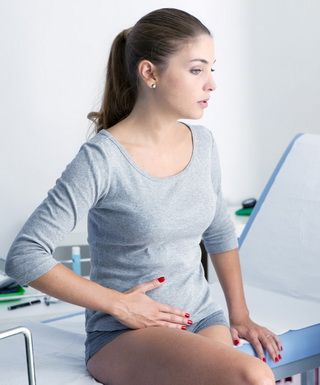 Киста яичника: симптомы и лечение