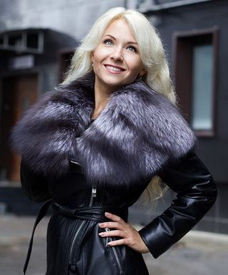 Модные куртки с мехом чернобурки