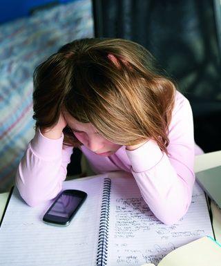 Почему подросток так легко попадает под чье-то влияние?