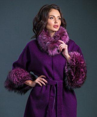 Модели женских драповых пальто с мехом