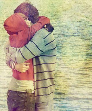 Одинаковы ли причины, побуждающие юношей и девушек к началу интимных отношений?