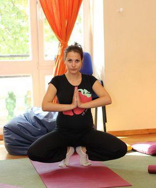 Йога для беременных: польза и основные асаны