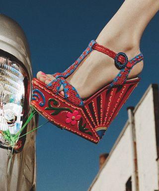 Модная и опасная обувь сезона
