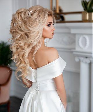 Варианты вечерних причесок на длинные волосы