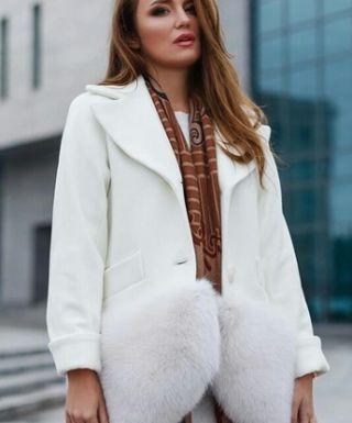 Кашемировые пальто с натуральным и искусственным мехом