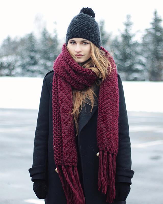 Среди модных шарфов для сезона осень-зима 2018-2019 занимают вязаные модели. 0c8053b904223