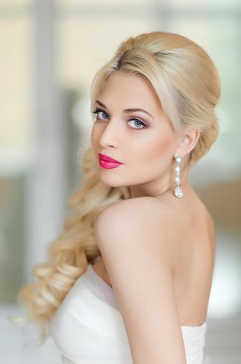 Модные цвета волос и макияжа для блондинок в 2019году
