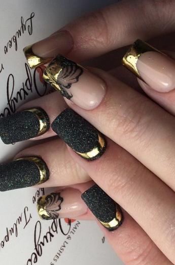 Дизайн ногтей «френч с золотом»: фото и идеи золотого французского ...