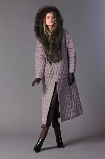 dee6abcc067 Зимние женские пуховые пальто с мехом  достоинства стеганых моделей